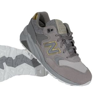 NWT! New Balance 580 Lace Up Sneakers Gray